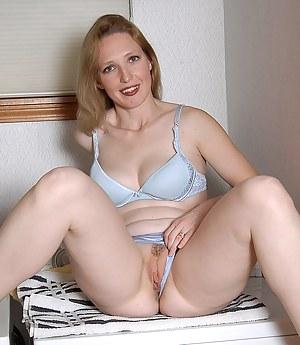 bra at girls porn pics